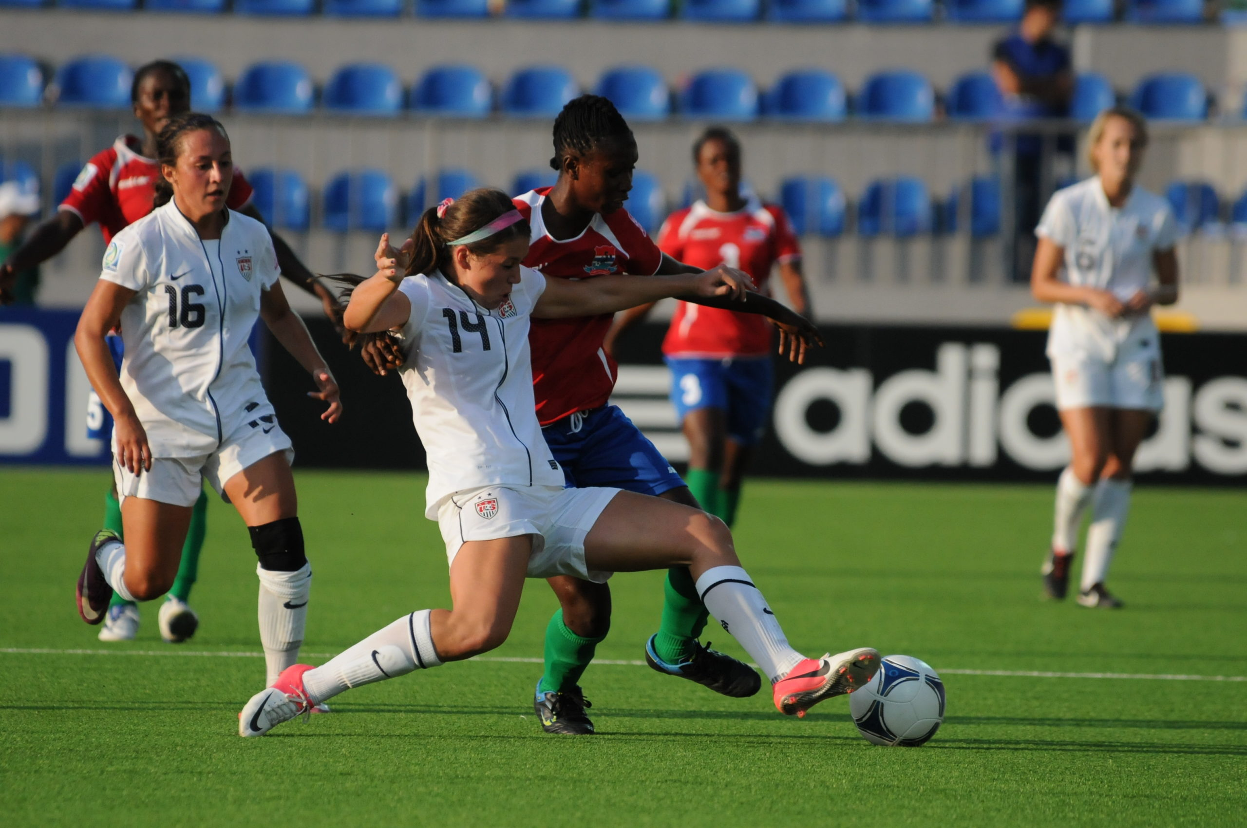 acl injury female women athletes