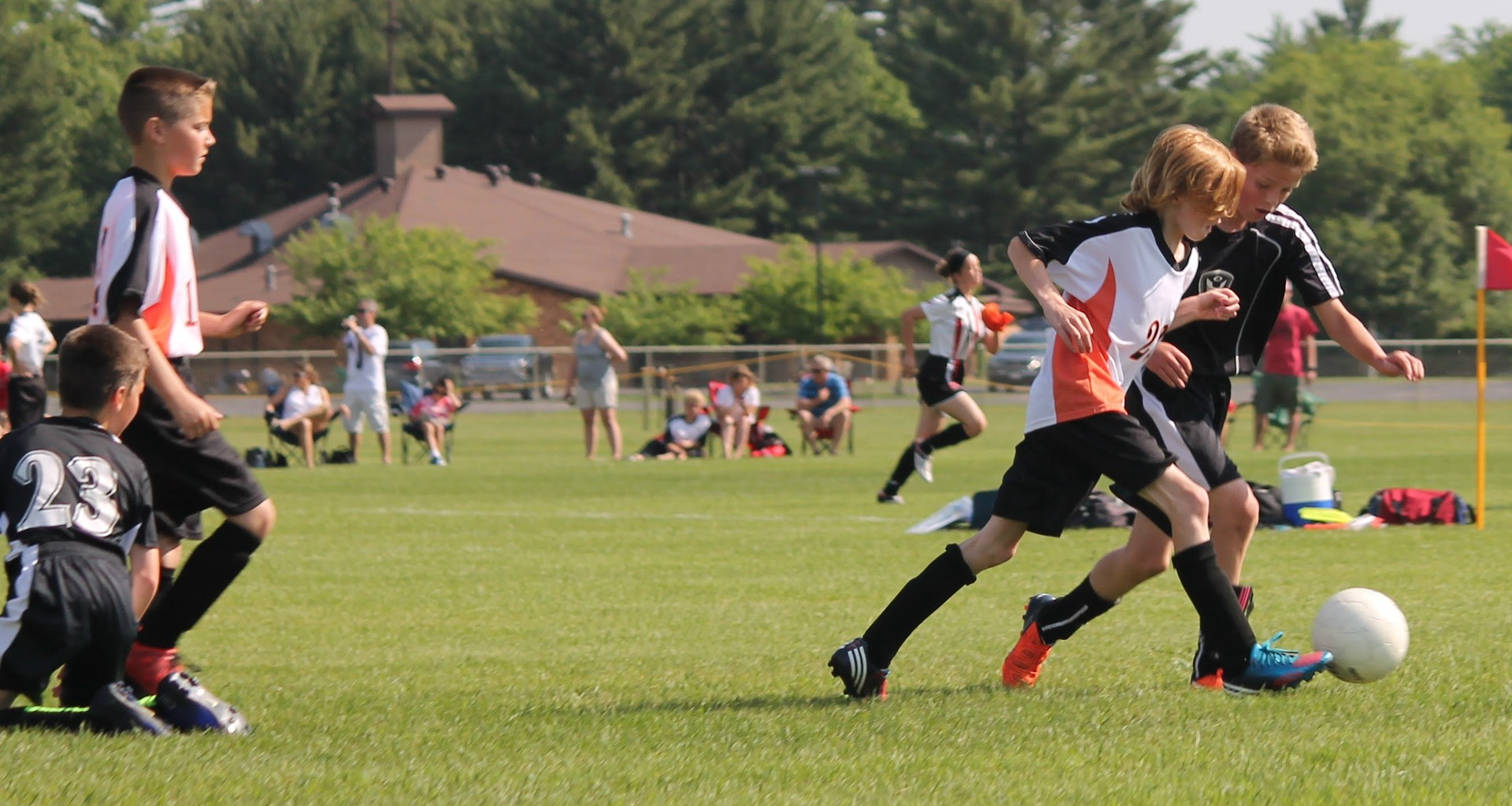 Youth Soccer (Pixabay-JoshDick75)