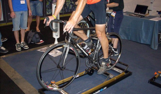 Indoor_trainer-Wikimedia-Keanu